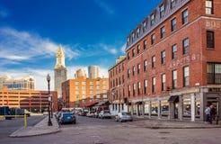 Zollamt-Turm und Finanzbezirk und Haymarket in Boston Lizenzfreie Stockfotos