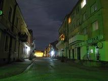 Zolochiv离开的中央街道的夜视图  免版税库存图片