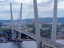Zolotoy bro i Vladivostok arkivbild