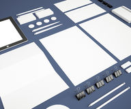 Zombaria da identidade corporativa acima em um fundo azul Fotos de Stock