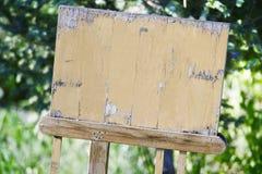 Zombaria de madeira da tabela Foto de Stock Royalty Free