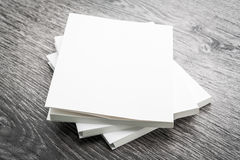 Zombaria vazia do branco acima do livro Imagem de Stock Royalty Free