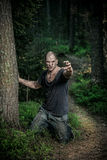 Ένα αιματηρό άτομο zombie Στοκ εικόνες με δικαίωμα ελεύθερης χρήσης