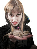 Zombie della strega della ragazza con il pogona Immagini Stock Libere da Diritti