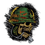 Zombie met militaire helm Stock Afbeelding