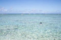 Zomer bij het strand Mooi strand en tropische overzees Royalty-vrije Stock Afbeeldingen