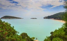 zomer Garganokust: Baia Di Campi strand, vieste-& x28; Apulia& x29; ITALIË Royalty-vrije Stock Foto's