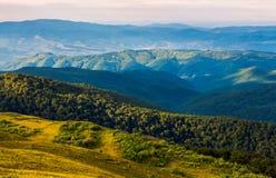 Zon aangestoken vallei in middag stock fotografie