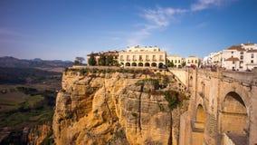 Zon de lichte ronda beroemde tijdspanne van de de menings4k tijd van de stads panoramische brug Spanje