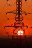 Zon door pyloon royalty-vrije stock afbeelding