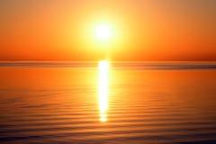 Zon en overzees stock afbeelding
