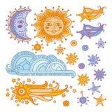 Zon, maan, wolk, sterren en een komeet op witte achtergrond wordt geïsoleerd die royalty-vrije stock foto's
