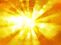 Zon op oranje hemel met lenzengloed Stock Foto