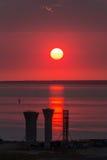 Zon in rode hemel Royalty-vrije Stock Afbeeldingen