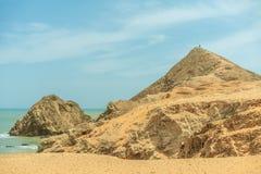 Zon van de zomertijd op hemel en zand van strand, landschap stock foto's