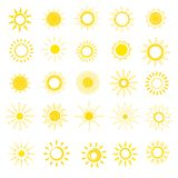 Zon vector zonnig pictogram met geel zonlicht en reeks van de het ontwerpillustratie van de zonneschijn de lichte hitte grafische vector illustratie