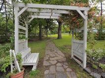 Zona de descanso del jardín Imágenes de archivo libres de regalías