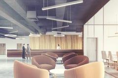 Zona de espera beige de las butacas, recepción entonada Foto de archivo libre de regalías