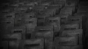 Zona de exclusión, pasillo vacío del teatro en la ciudad solitaria, memorias, blancos y negros almacen de metraje de vídeo