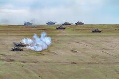 Zona de guerra com tanques Fotos de Stock