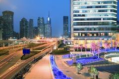 Zona de Lujiazui Finance&Trade del backgro urbano moderno de la configuración Imagen de archivo libre de regalías