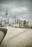 Zona de Lujiazui Finance&Trade del horizonte de la señal de Shangai en la ciudad Imágenes de archivo libres de regalías