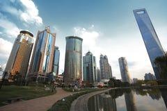 Zona de Lujiazui Finance&Trade del paisaje de la ciudad de la señal de Shangai Foto de archivo libre de regalías