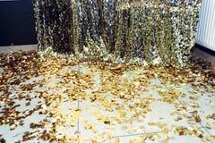 Zona de lujo elegante de la chispa para las fotos en el PA de oro del cumpleaños Imagen de archivo