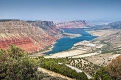 Zona de recreo nacional y el Green River, Utah de la garganta llameante Imagen de archivo