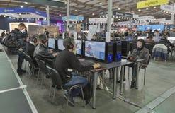 Zona del gioco al CEE 2015, la più grande fiera commerciale di elettronica in Ucraina Fotografia Stock Libera da Diritti