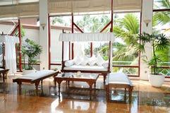 Zona del salotto all'ingresso dell'albergo di lusso Fotografia Stock Libera da Diritti