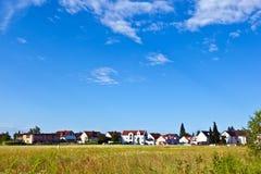 Zona dell'alloggiamento nel paesaggio rurale Fotografia Stock Libera da Diritti