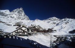 Zona di Cervinia - montagna del Matterhorn Fotografia Stock Libera da Diritti