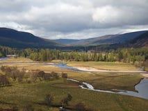 Zona di Dee del fiume, ad ovest di Braemar, la Scozia. Fotografia Stock Libera da Diritti