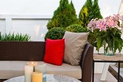 Zona di disposizione dei posti a sedere all'aperto del patio Immagini Stock