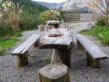 Zona di disposizione dei posti a sedere di picnic. Fotografie Stock Libere da Diritti
