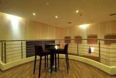 Zona di disposizione dei posti a sedere lussuosa nella casa Immagini Stock Libere da Diritti