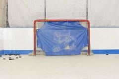 Zona di lancio dell'hockey - portoni e rondelle Fotografia Stock Libera da Diritti