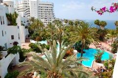 Zona di ricreazione con le piscine e la spiaggia Fotografie Stock Libere da Diritti