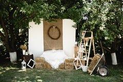 Zona do banquete de casamento no estilo r?stico Banquete Wedding fotos de stock