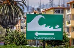 A zona do perigo do tsunami assina dentro Atofagasta, o Chile Fotografia de Stock