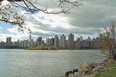 Zona este superior Manhattan, NYC en la oscuridad Imagen de archivo