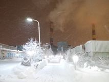 Zona industrial na área ártica fotografia de stock