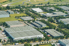 Zona industriale, ambiente verde. Fotografie Stock Libere da Diritti