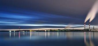 Zona industriale di Kiev La Banca del fiume Dnieper Fotografia Stock Libera da Diritti