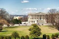 Zona leste da construção do Capitólio do Estados Unidos na luz do dia fotos de stock royalty free