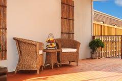 Zona para sentarse al aire libre de invitación Foto de archivo