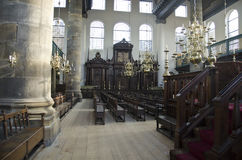 Zona para sentarse en la sinagoga portuguesa vieja, Amsterdam Imagen de archivo libre de regalías
