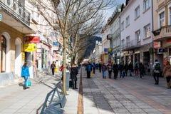Zona peatonal en el centro de ciudad de Zilina Foto de archivo