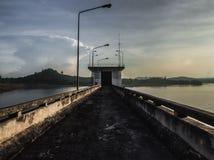 Zona peligrosa en Sadao Dam, Tailandia imagenes de archivo